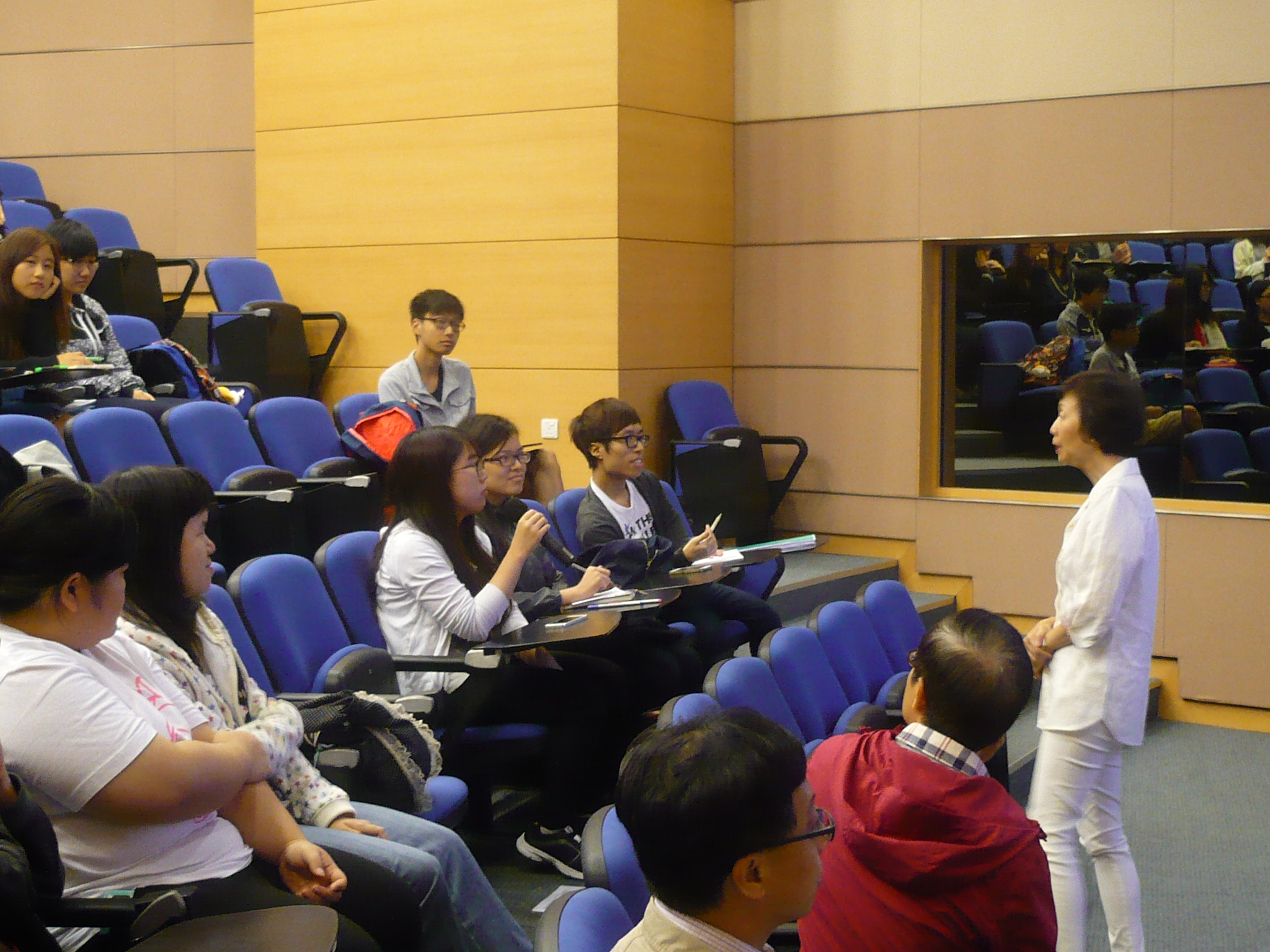 Guest Seminar for the Students of Higher Diploma in Medical and Health Products Management Programme - Photo - 3