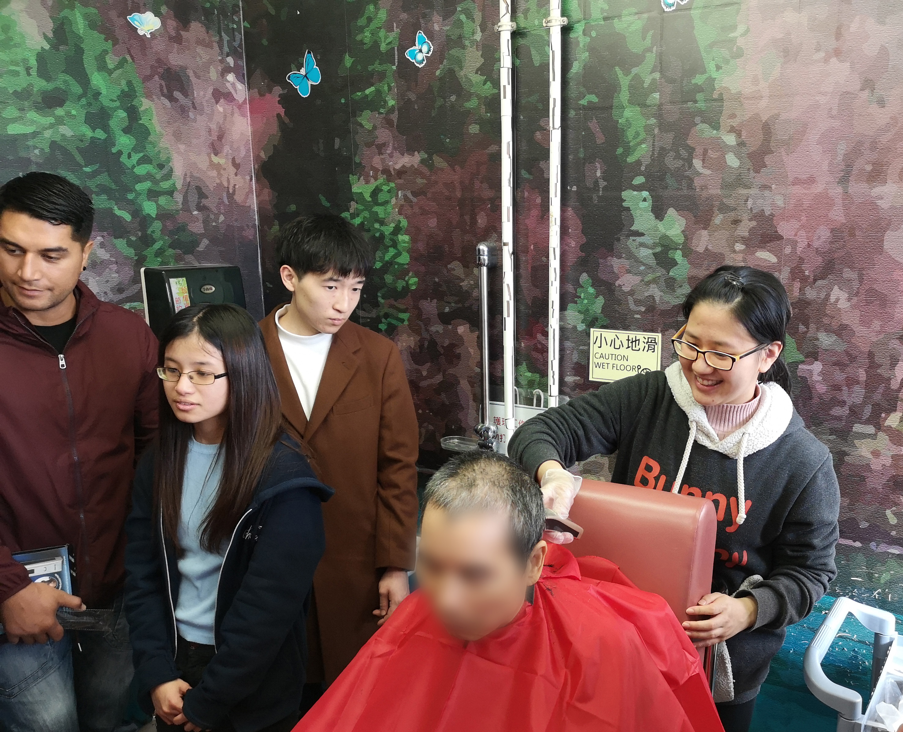 HPSHCC Community Barber Service Team's First Service - Photo - 11
