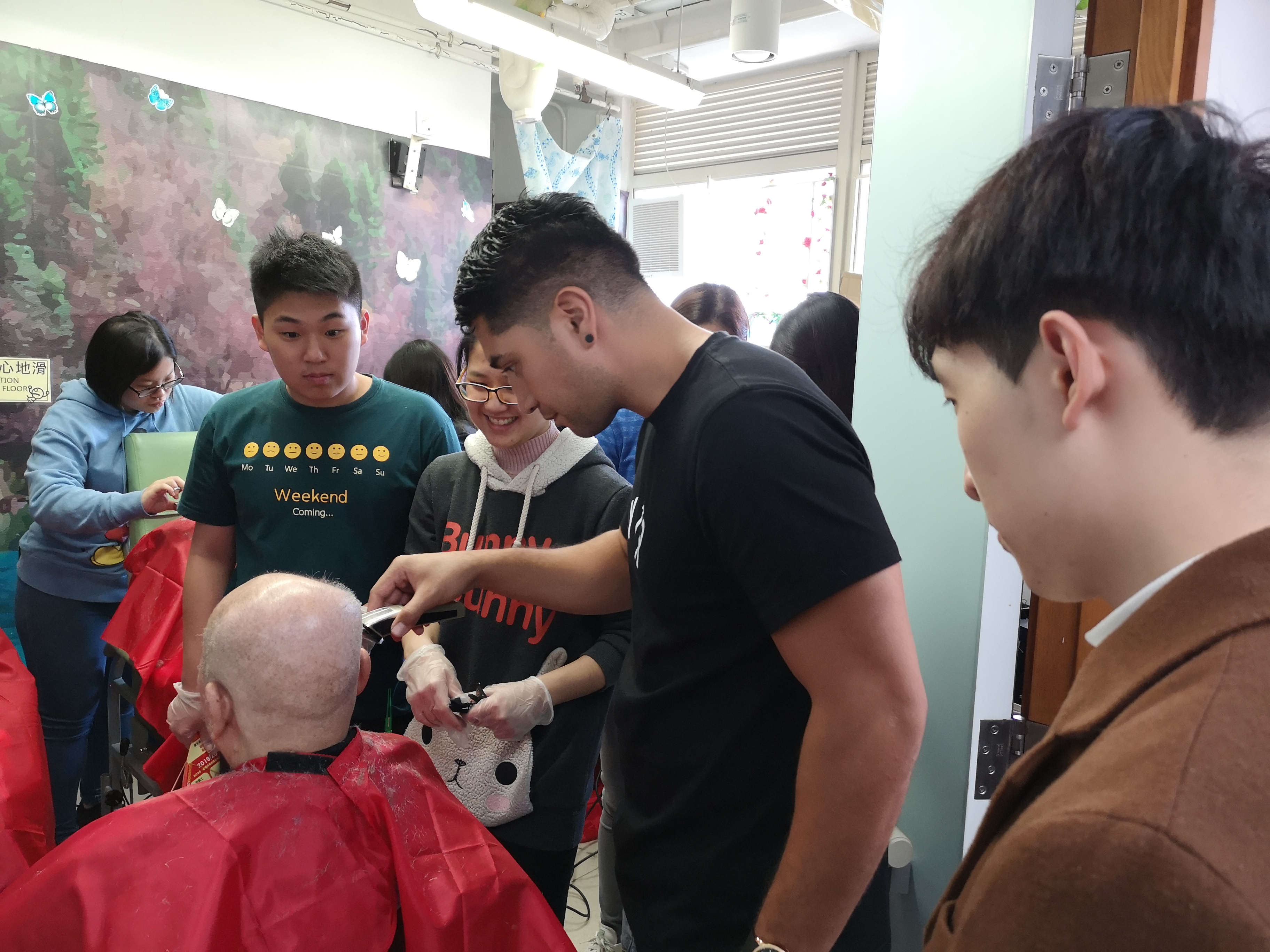 HPSHCC Community Barber Service Team's First Service - Photo - 5