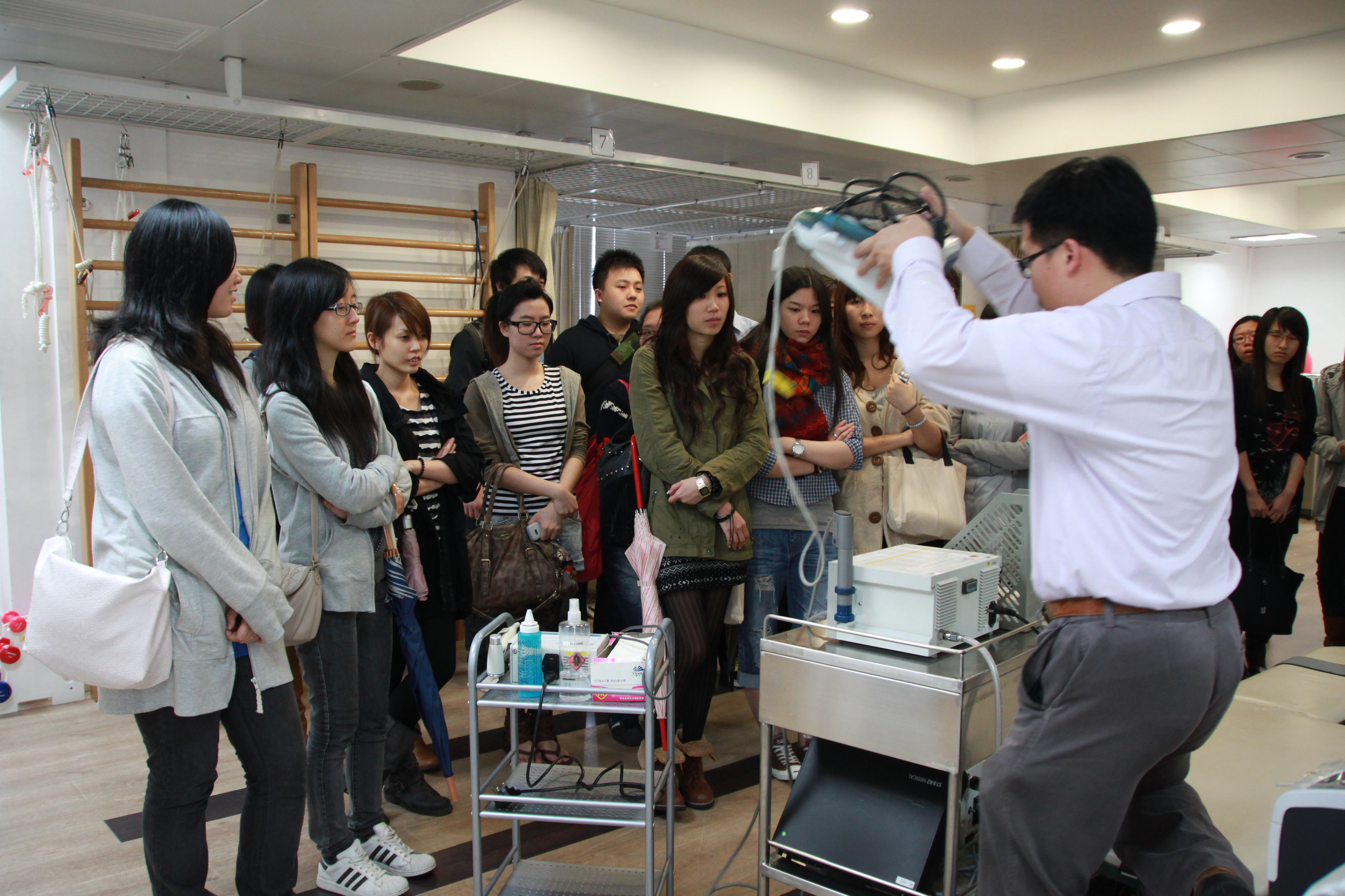 Visit to the Precious Blood Hospital (HD in Medical and Health Products Management programme) - Photo - 3