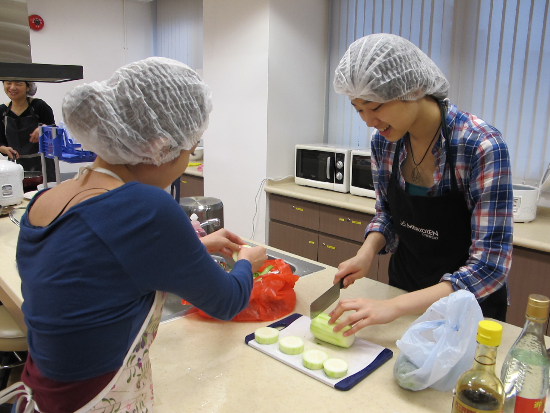 Feeding Hong Kong – Prepare nutritious, simple and low budget cookbook for the needy - Photo - 25
