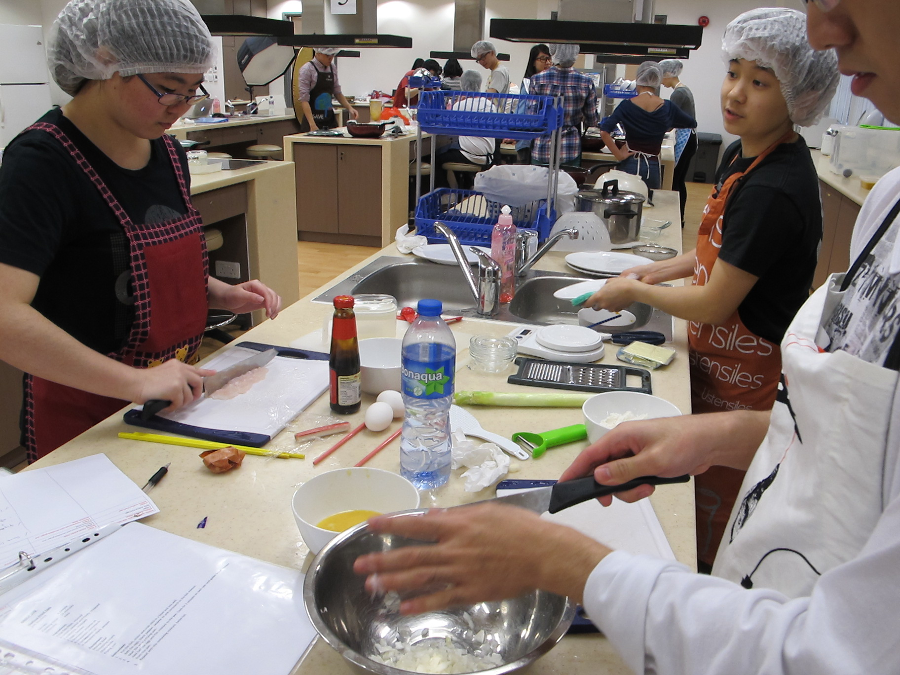 Feeding Hong Kong – Prepare nutritious, simple and low budget cookbook for the needy - Photo - 67